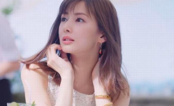 北川景子が整形外科で鼻と目頭をイジっていた?通っていた場所はどこ?